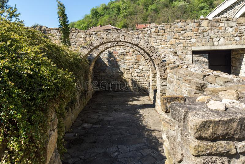 中世纪圣洁四十个受难者教会-东正教教会在1230年修建的在大特尔诺沃,保加利亚镇  免版税图库摄影