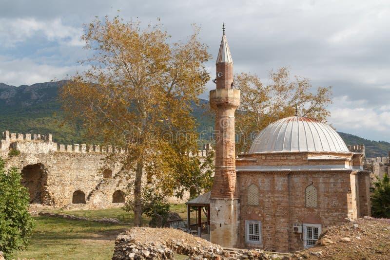 中世纪废墟mamure,土耳其的城堡菲亚特菲翔召回图片