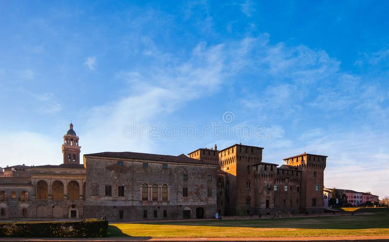 中世纪堡垒,贡扎加圣乔治乔治城堡在意大利,曼图亚曼托瓦 免版税图库摄影