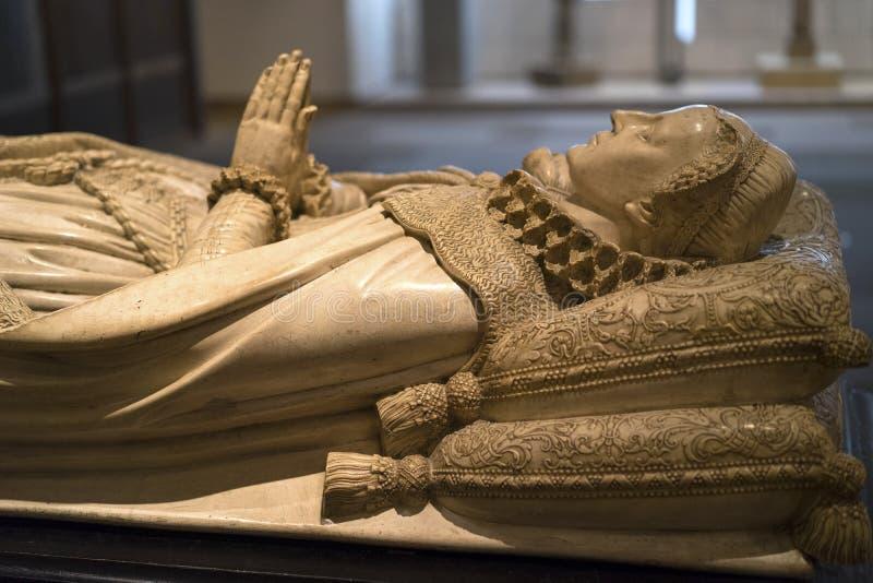 中世纪夫人雪花石膏肖象  免版税图库摄影