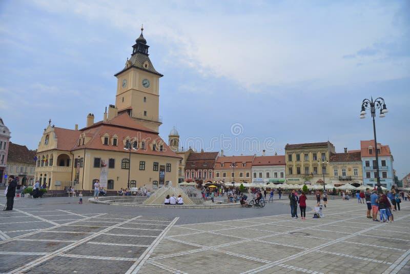 中世纪市的大广场布拉索夫,罗马尼亚 免版税库存照片