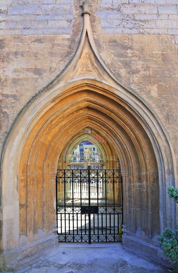 中世纪教会门道入口 库存图片