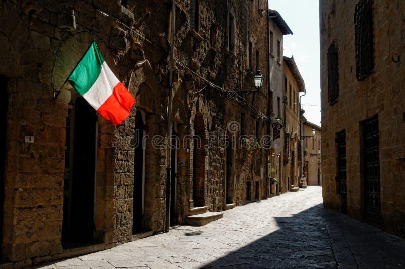中世纪村庄在托斯卡纳 免版税库存照片