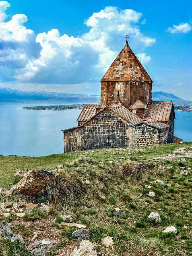 中世纪正统修道院和Sevan湖 库存照片