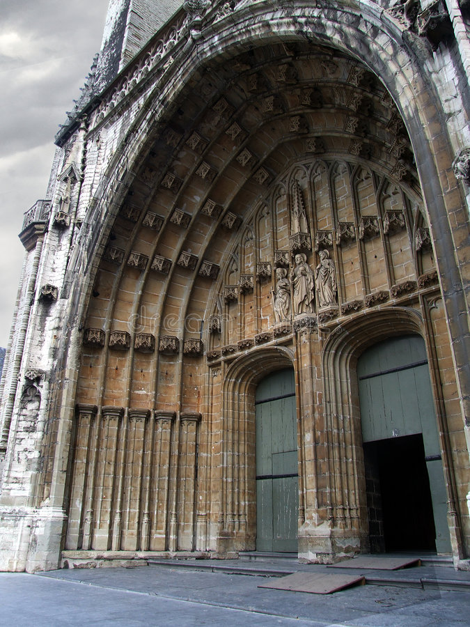 中世纪的大教堂 免版税库存图片