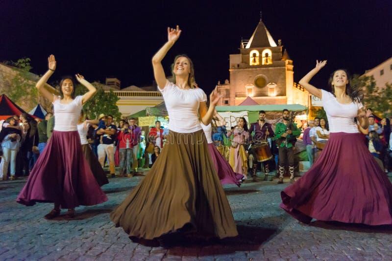 中世纪的舞蹈演员 免版税库存照片