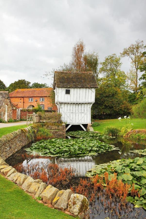中世纪英国农舍的庄园 免版税库存照片