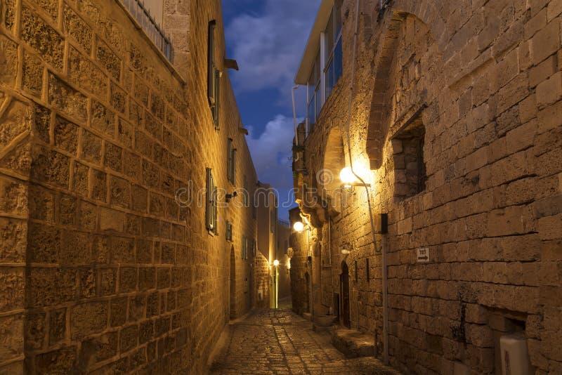 中世纪街道在晚上在贾法角,特拉维夫 免版税库存照片