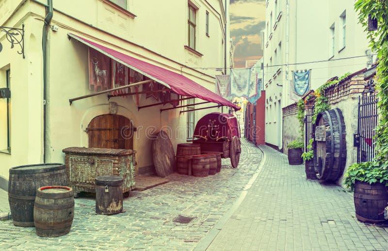 中世纪街道在老里加,拉脱维亚 库存图片
