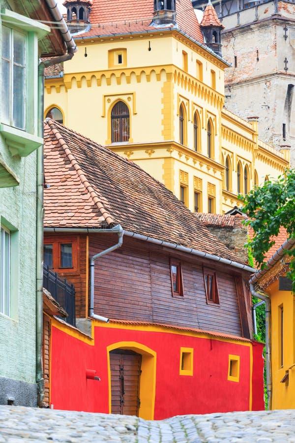中世纪街道视图在Sighisoara 免版税库存照片