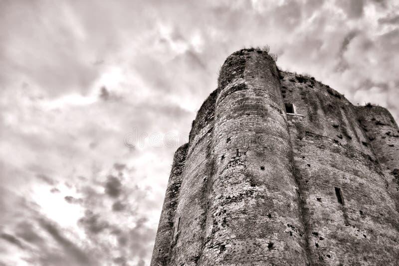 中世纪被加强的城堡老土牢石头塔 库存图片
