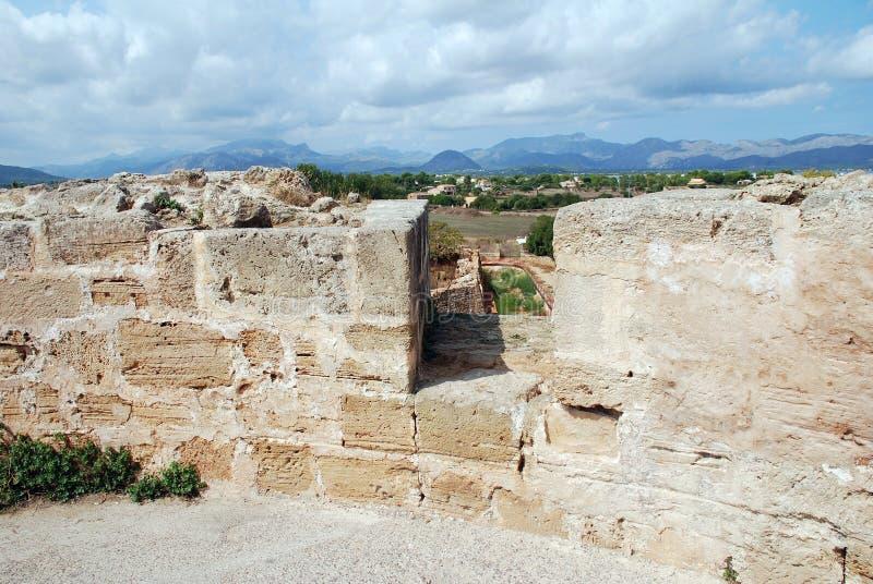 中世纪镇墙壁,阿尔库迪亚 库存图片