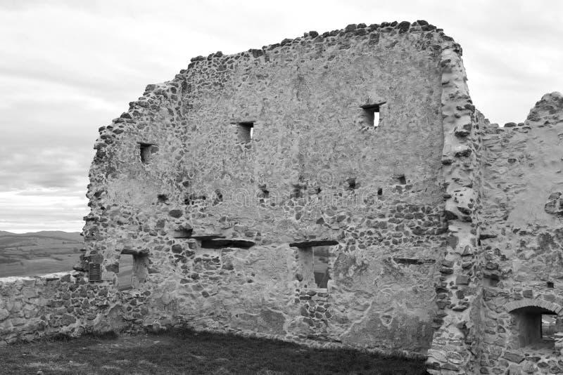 中世纪鲁佩亚浪子堡垒的老墙壁在特兰西瓦尼亚,罗马尼亚 免版税库存图片