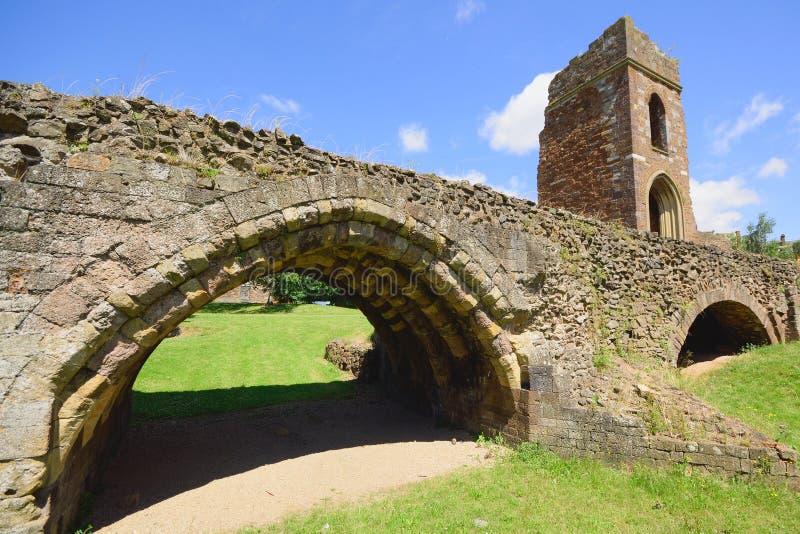 中世纪Exe桥梁的遗骸 免版税库存照片