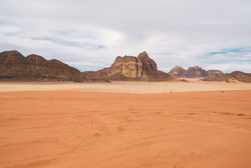 中东沙漠在约旦 横向视图 库存照片