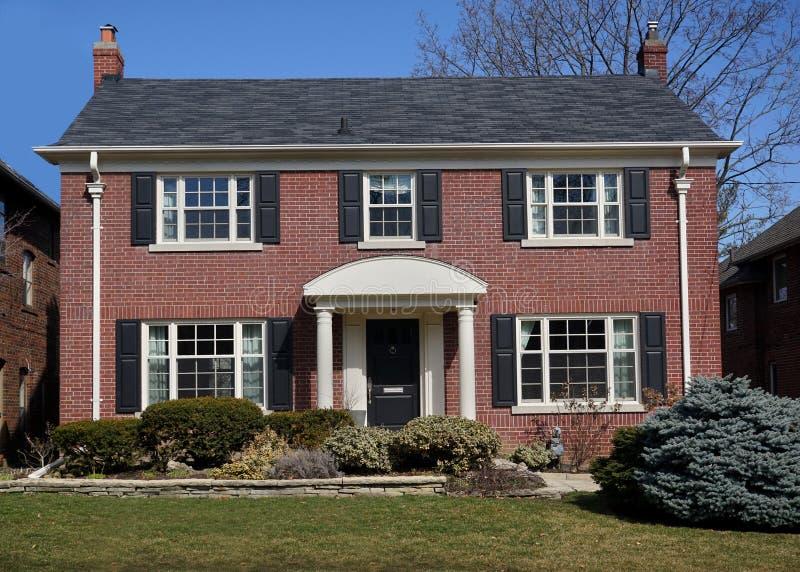 中产阶级房子 免版税库存图片