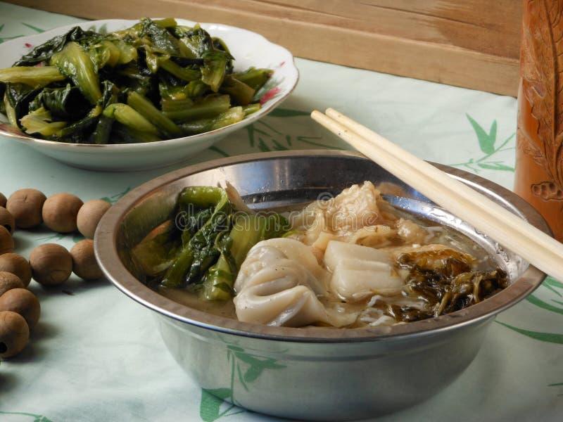 中国亲切午餐煮沸的饺子 库存图片