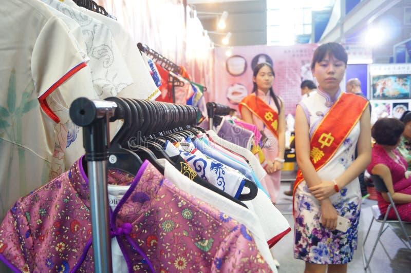 中国人礼服 免版税库存图片