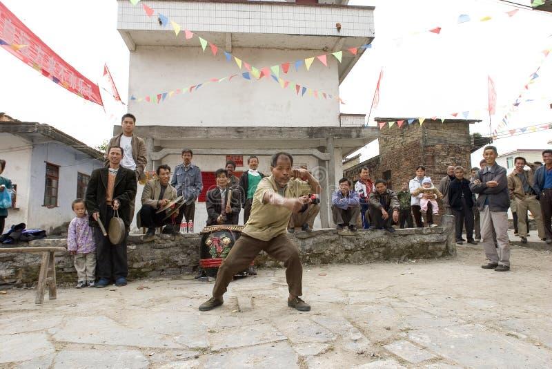 中国人Wushu (功夫)表现 免版税库存照片
