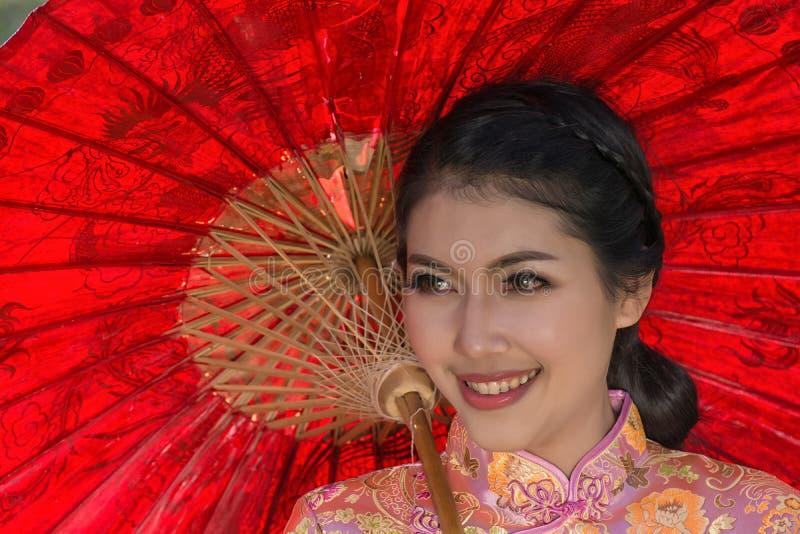 中国传统礼服画象  免版税库存图片