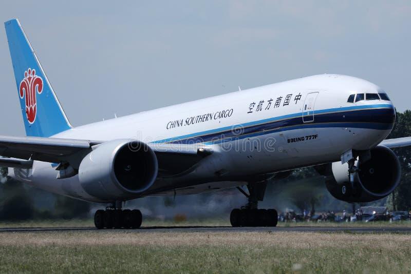 中国南部的货物从史基普机场,AMS离开了 库存图片