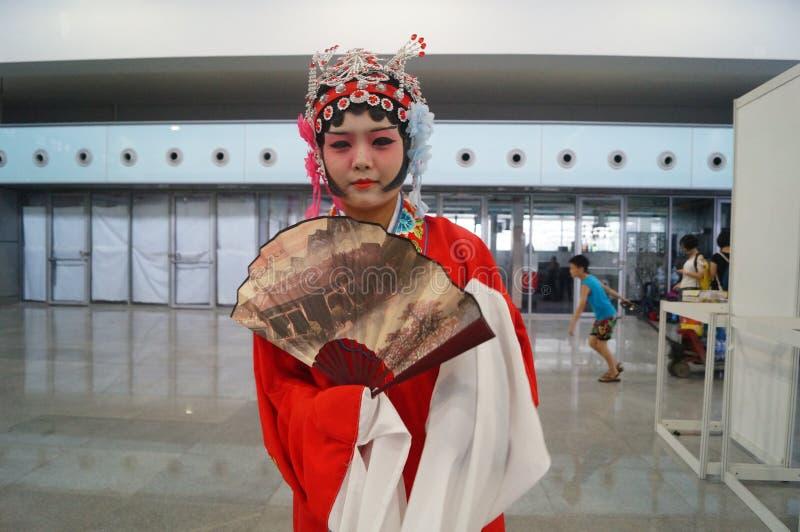中国古老妇女的礼服,在深圳国际录影节日 免版税库存图片