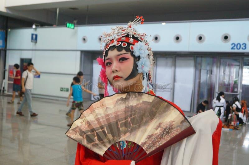 中国古老妇女的礼服,在深圳国际录影节日 库存图片