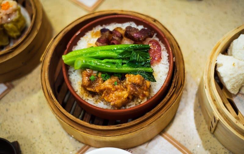 中国广东dimsum膳食在竹火轮服务 免版税库存图片