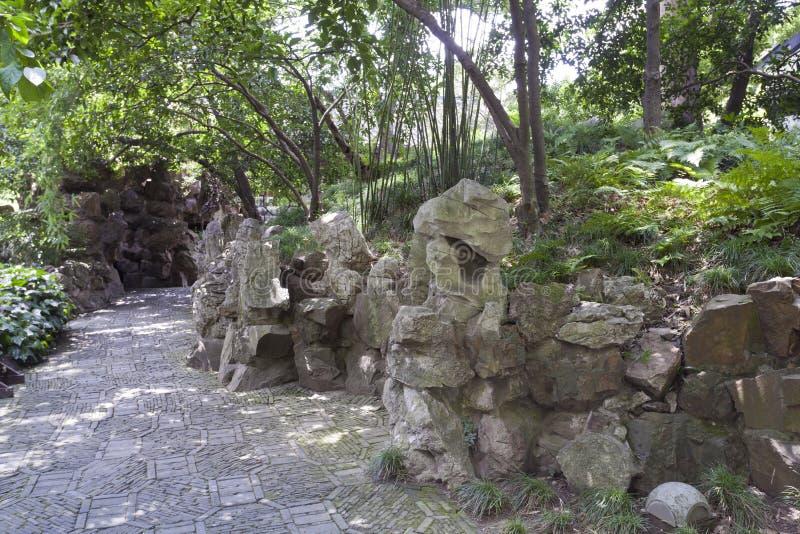 中国庭院,石头 免版税库存照片