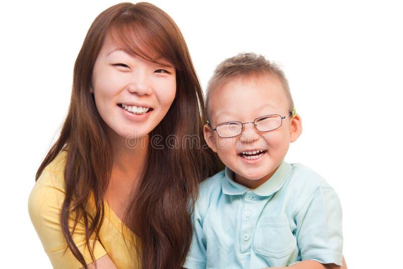 中国愉快的母亲儿子 图库摄影