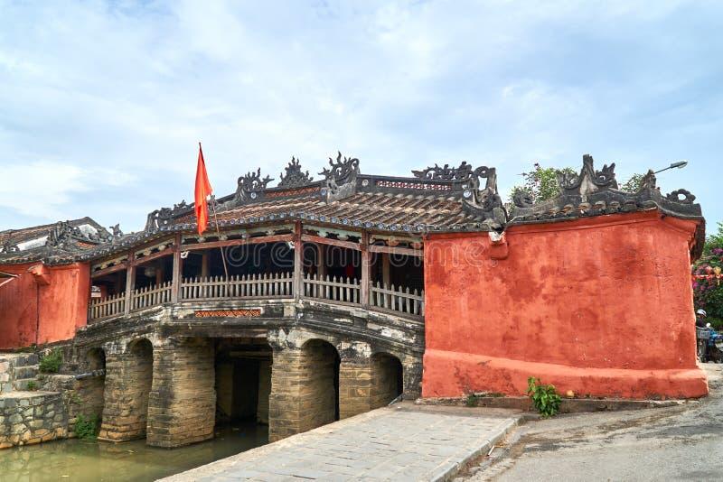 中国桥梁-旅游业视域和旅行目的地在会安市,越南 库存照片