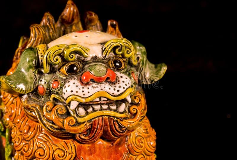 中国狗雕象 免版税库存照片