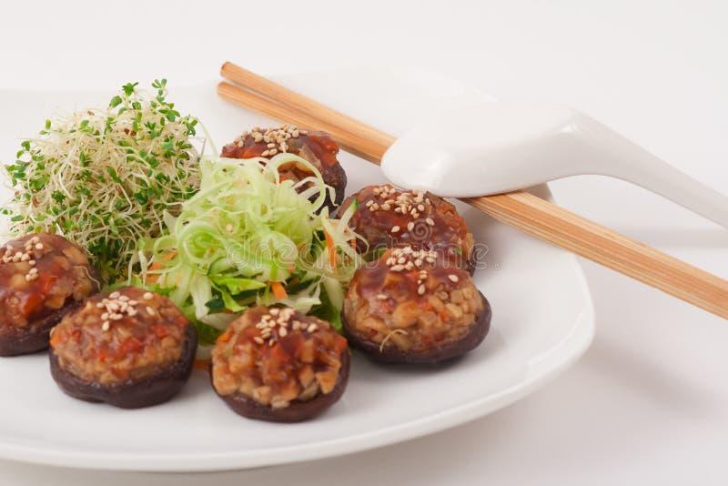中国盘蘑菇素食主义者 免版税图库摄影