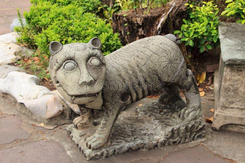 中国老虎雕象 免版税库存照片