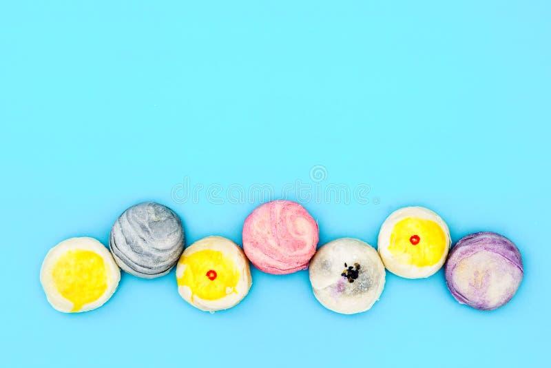 中国酥皮点心或月饼或者绿豆装填蛋糕或蛋yol 免版税库存照片