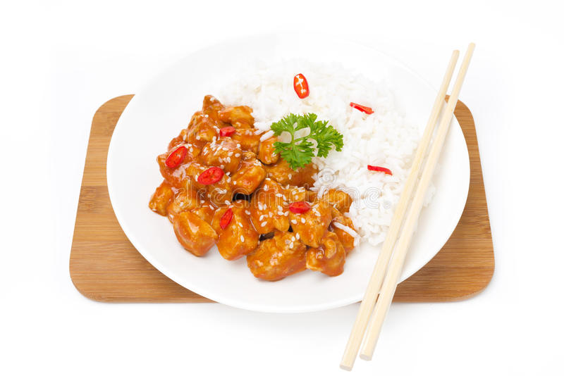 中国食物-在西红柿酱的鸡与芝麻籽 免版税库存照片