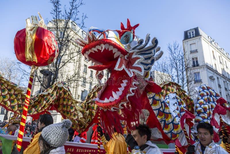 中国龙-农历新年游行,巴黎2018年 库存图片