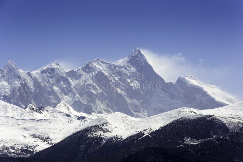 中国` s西藏高原雪山峰 免版税库存图片