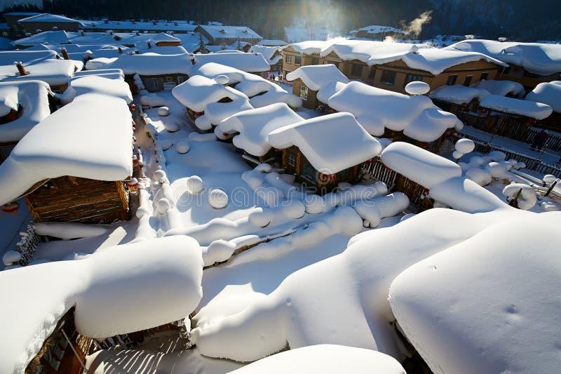 中国` s雪镇纯净的白色snowscape  免版税库存图片