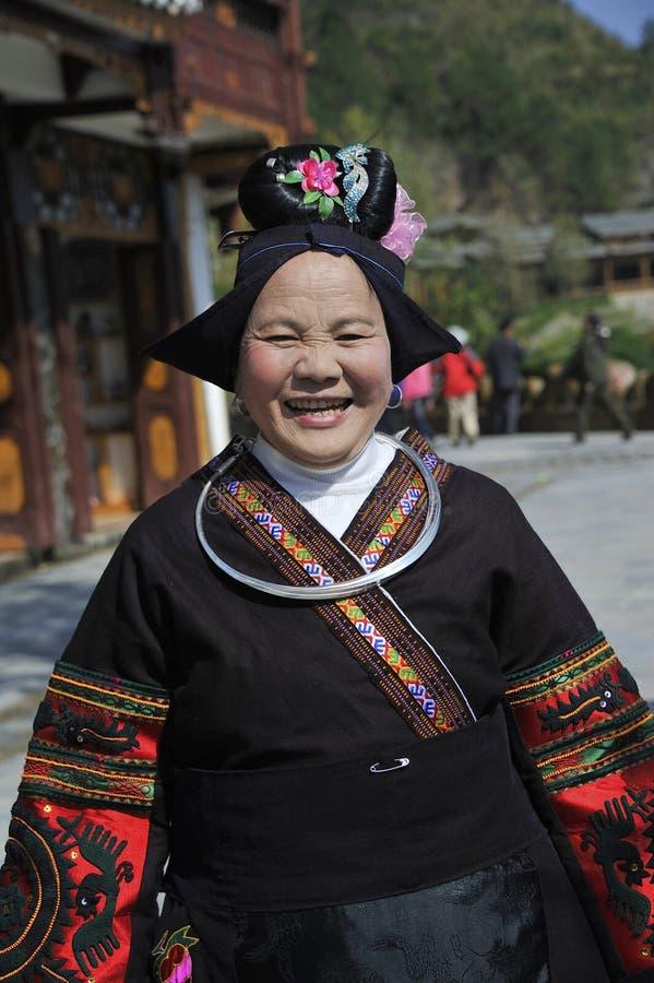 中国Miao国籍老妇人 免版税图库摄影