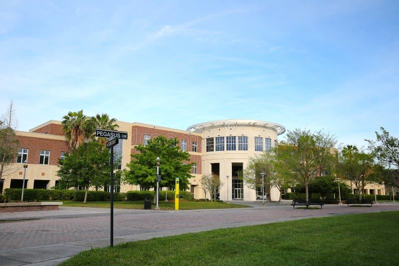 中央佛罗里达的健康和公共事务司大厦大学  库存照片