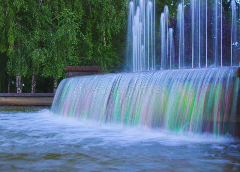 中央喷泉在以A和休闲命名的公园文化 Shcherbakov 库存照片