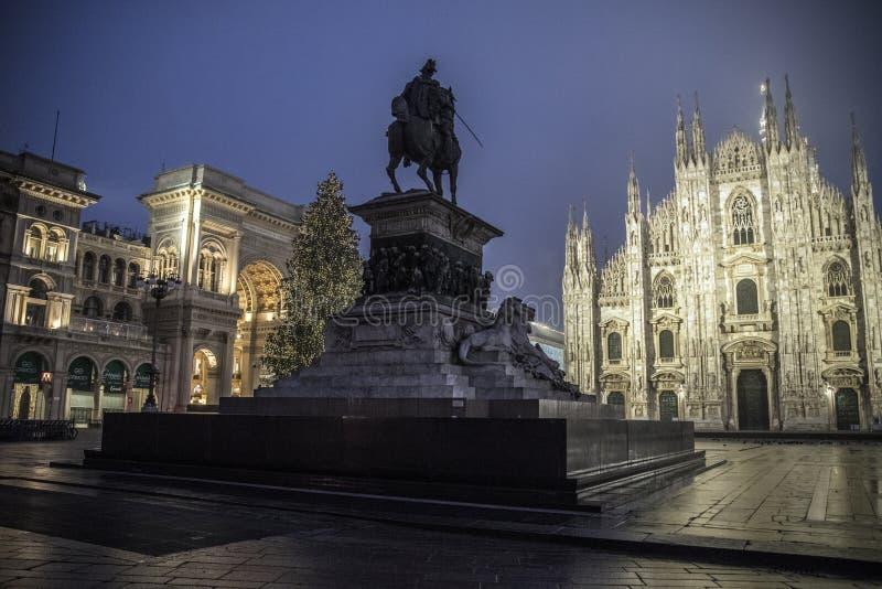 中央寺院意大利米兰广场 免版税库存照片
