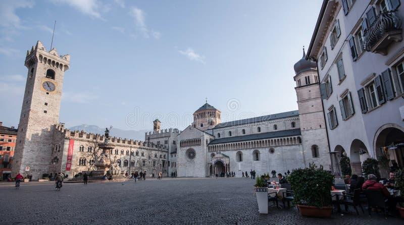 中央寺院正方形在特伦托,特伦托自治省女低音阿迪杰(意大利) 库存照片