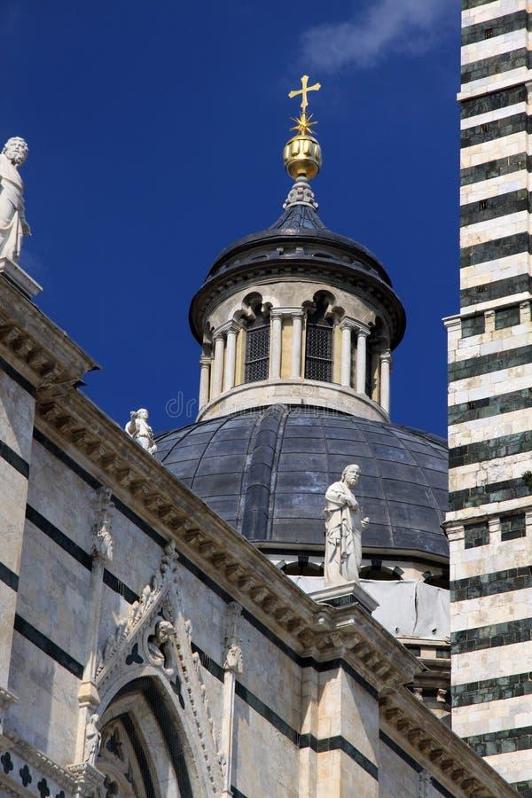 Download 中央寺院siena 库存照片. 图片 包括有 欧洲, 完成, 吸引力, 哥特式, 大理石, 圣诞老人, 大教堂 - 15697458