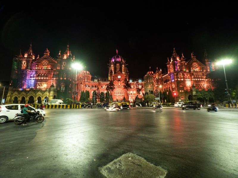 中央火车站在孟买在晚上 免版税库存照片