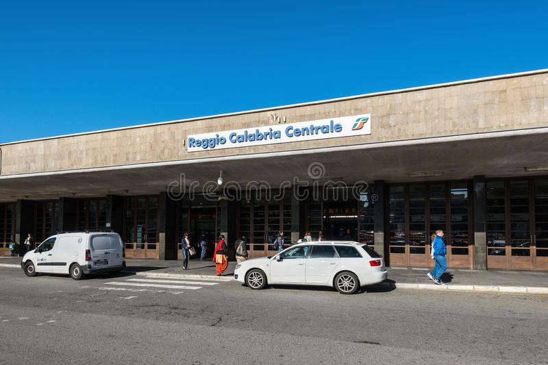 中央火车站在雷焦卡拉布里亚,意大利 免版税库存照片