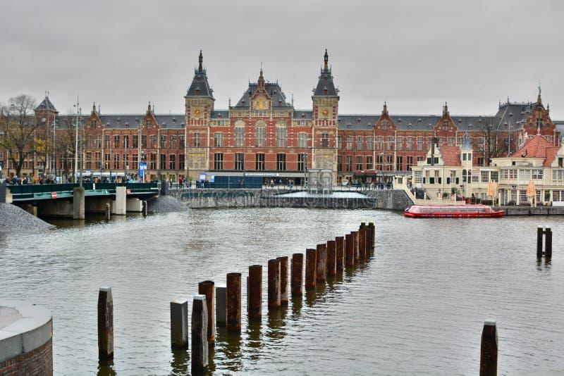 中央火车站 两栖 荷兰 库存照片