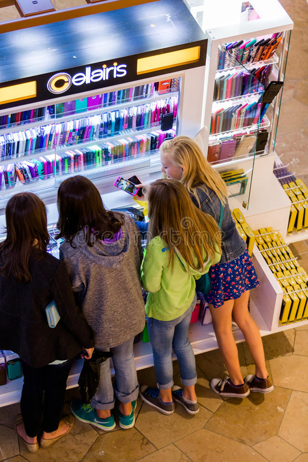 中心内部购物中心购物 库存照片