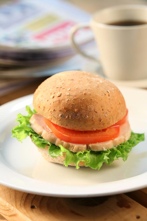中断时间用汉堡包 免版税库存照片